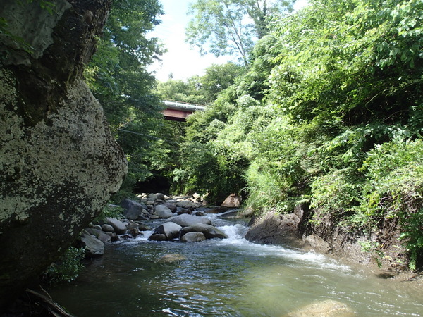 こちらは真木川。渓相はいいのだけれど、当日の反応はイマイチ。ネット上には芳しい釣果情報もあるのだけれど…。