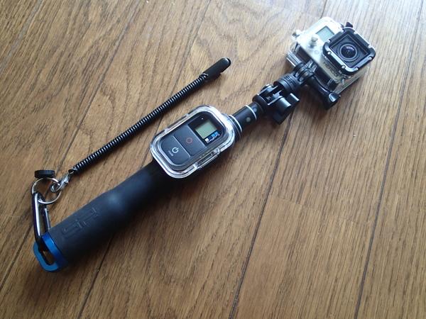 リモートポール23に装着したGoPro。フライを咥えた魚の水中動画を録りたいのだけど…