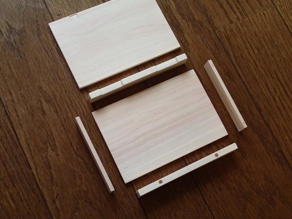 フライケースを構成する木材を準備します。今回はすべてヒノキです