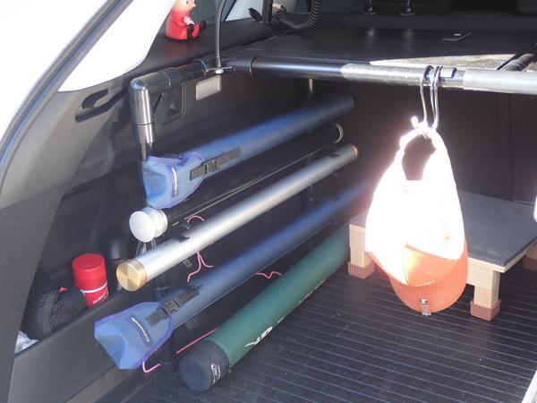 クルマ荷室の整理整頓